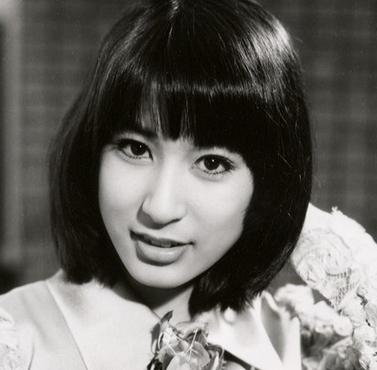 宇多田ヒカル母 藤圭子さん.png