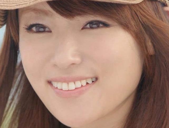 深田恭子 茶髪かわいい.png